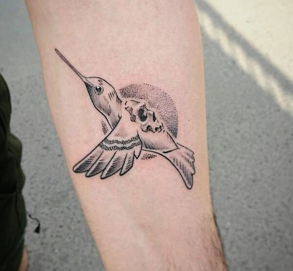 Kolibri-tatuering: Betydelse, design, historia och foton