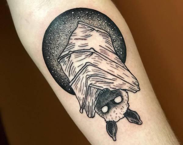 Fladdermus-tatuering: Betydelse, design, historia och foton
