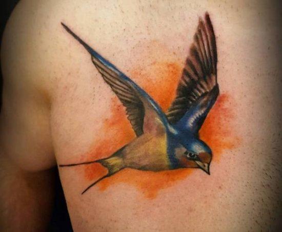 Svala-tatuering: Betydelse, design, historia och foton