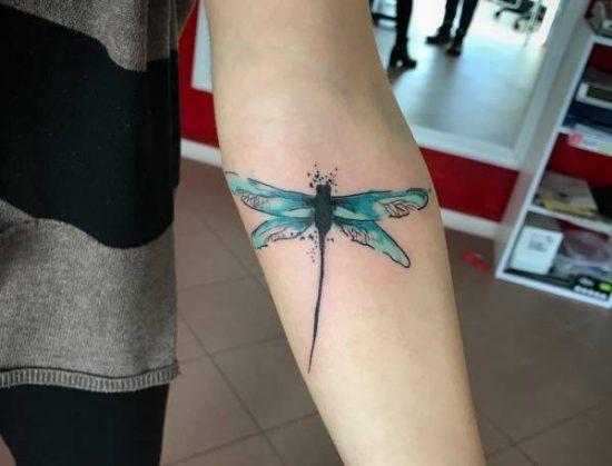Tatuering trollslända: Betydelse, design, historia och foton