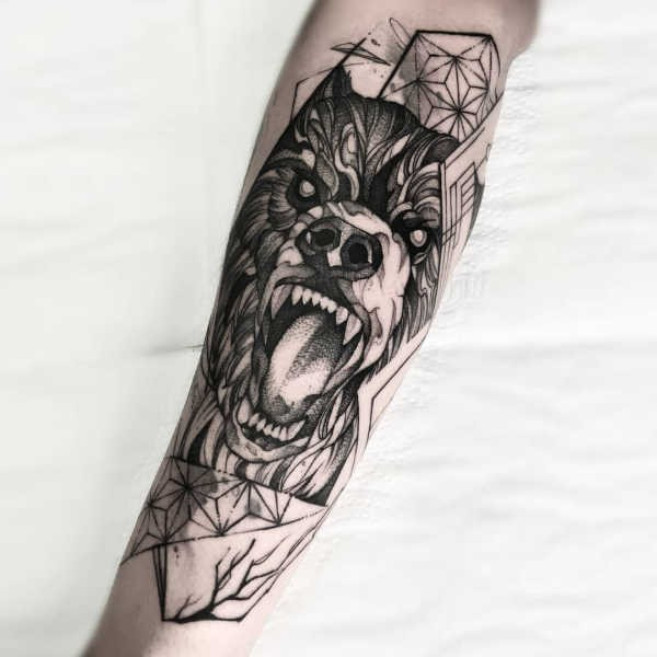 Björn tatuering: Betydelse, design, historia och foton