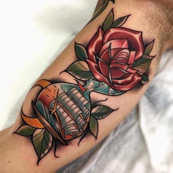 Ros tatuering: Betydelse, design, historia och foton