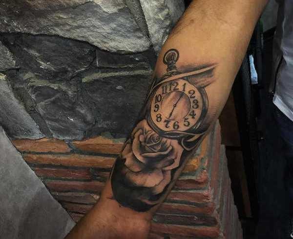 Klocka tatuering: Betydelse, design, historia och foton Tatuering idéer och betydelser