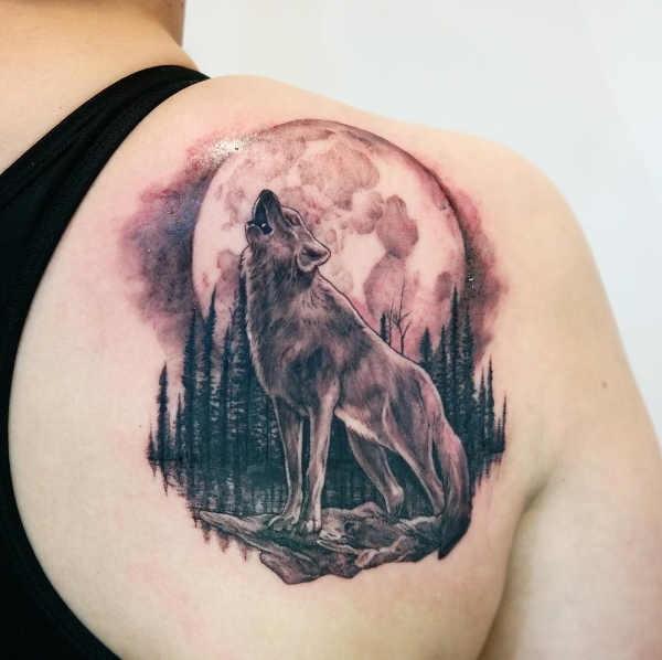 Mån tatuering: Betydelse, design, historia och foton