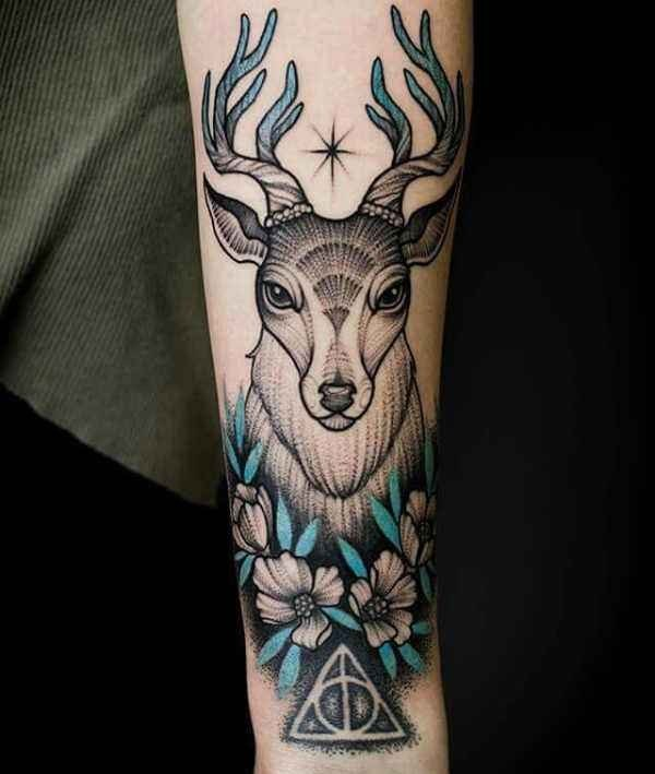 Rådjur tatuering: Betydelse, design, historia och foton Djur Tatuering idéer och betydelser