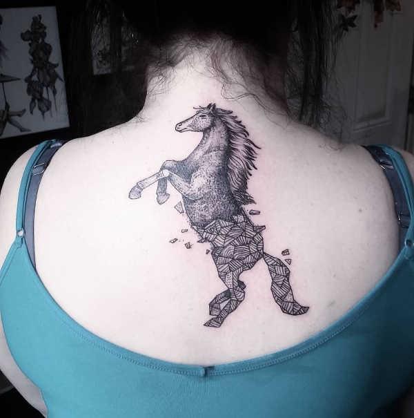 Häst tatuering: Betydelse, design, historia och foton Djur Tatuering idéer och betydelser