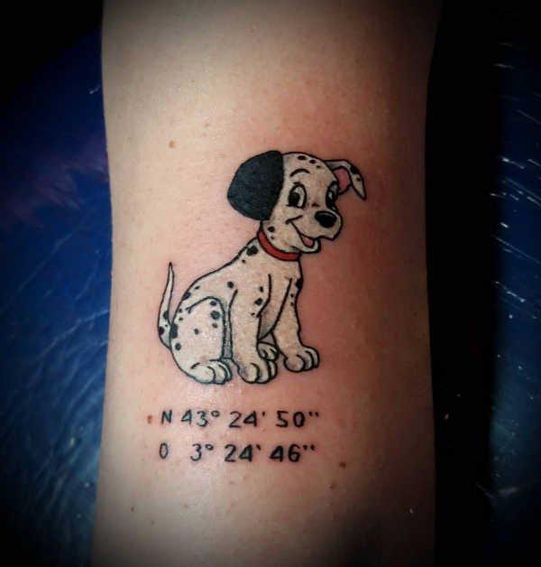 Hund tatuering: Betydelse, design, historia och foton Djur Tatuering idéer och betydelser