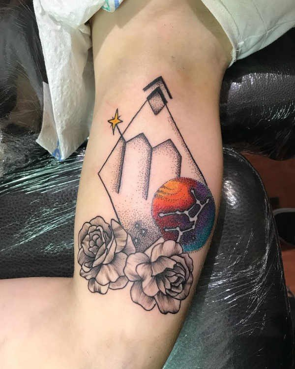 Jungfru (stjärntecken) tatuering: Betydelse, design, historia och foton Stjärntecken Tatuering idéer och betydelser
