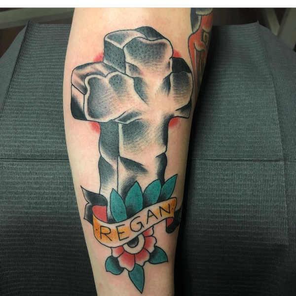 Kors tatuering: Betydelse, design, historia och foton Tatuering idéer och betydelser