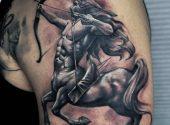 Skytten (stjärntecken) tatuering: Betydelse, design, historia och foton