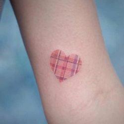 Kolibri-tatuering: Betydelse, design, historia och foton Djur Tatuering idéer och betydelser