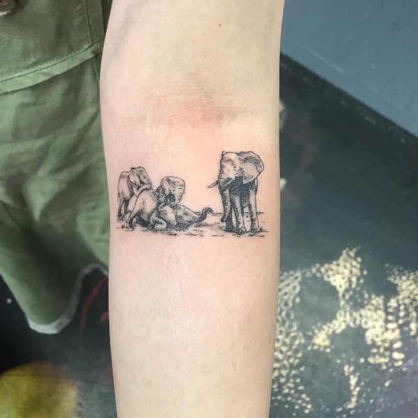100+ små tatueringar som får oss att vilja tatuera oss nu Tatuering idéer och betydelser