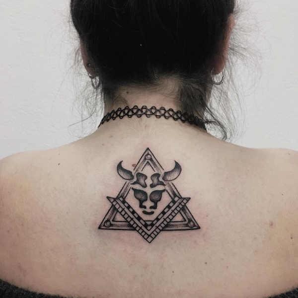 Tjur tatuering (stjärntecken): Betydelse, design, historia och foton Stjärntecken Tatuering idéer och betydelser