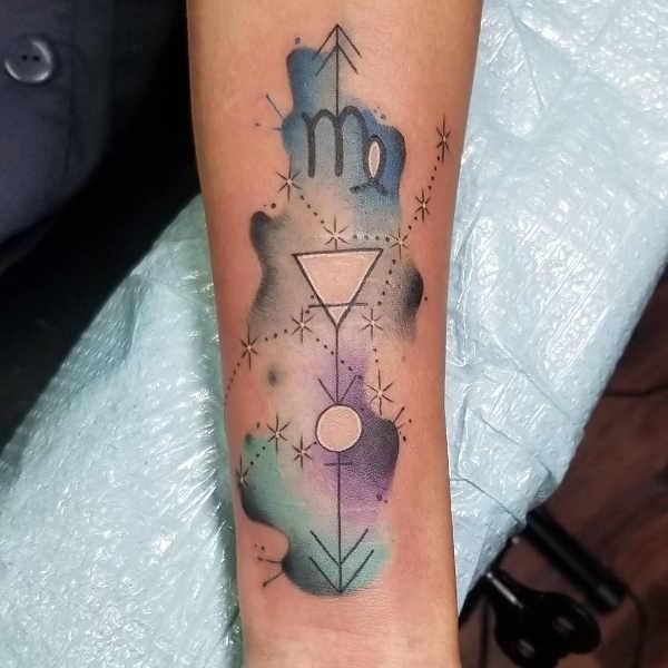Vågen (stjärntecken) tatuering: Betydelse, design, historia och foton Stjärntecken Tatuering idéer och betydelser