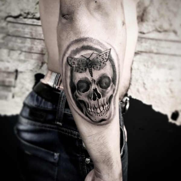 Dödskalle tatuering: Betydelse, design, historia och foton Tatuering idéer och betydelser