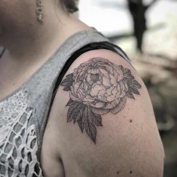 Pion tatuering: Betydelse, design, historia och foton Blomtatueringar Tatuering idéer och betydelser
