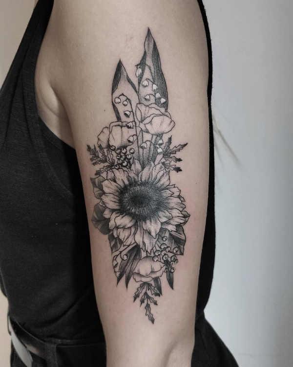 Solros tatuering: Betydelse, design, historia och foton Blomtatueringar Tatuering idéer och betydelser