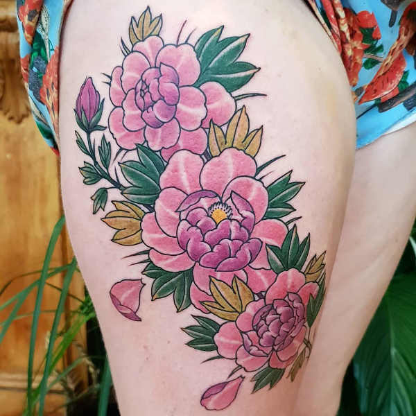 Tatueringar på låren: 110+ tatuerings-idéer Kroppsdelar Tatuering idéer och betydelser